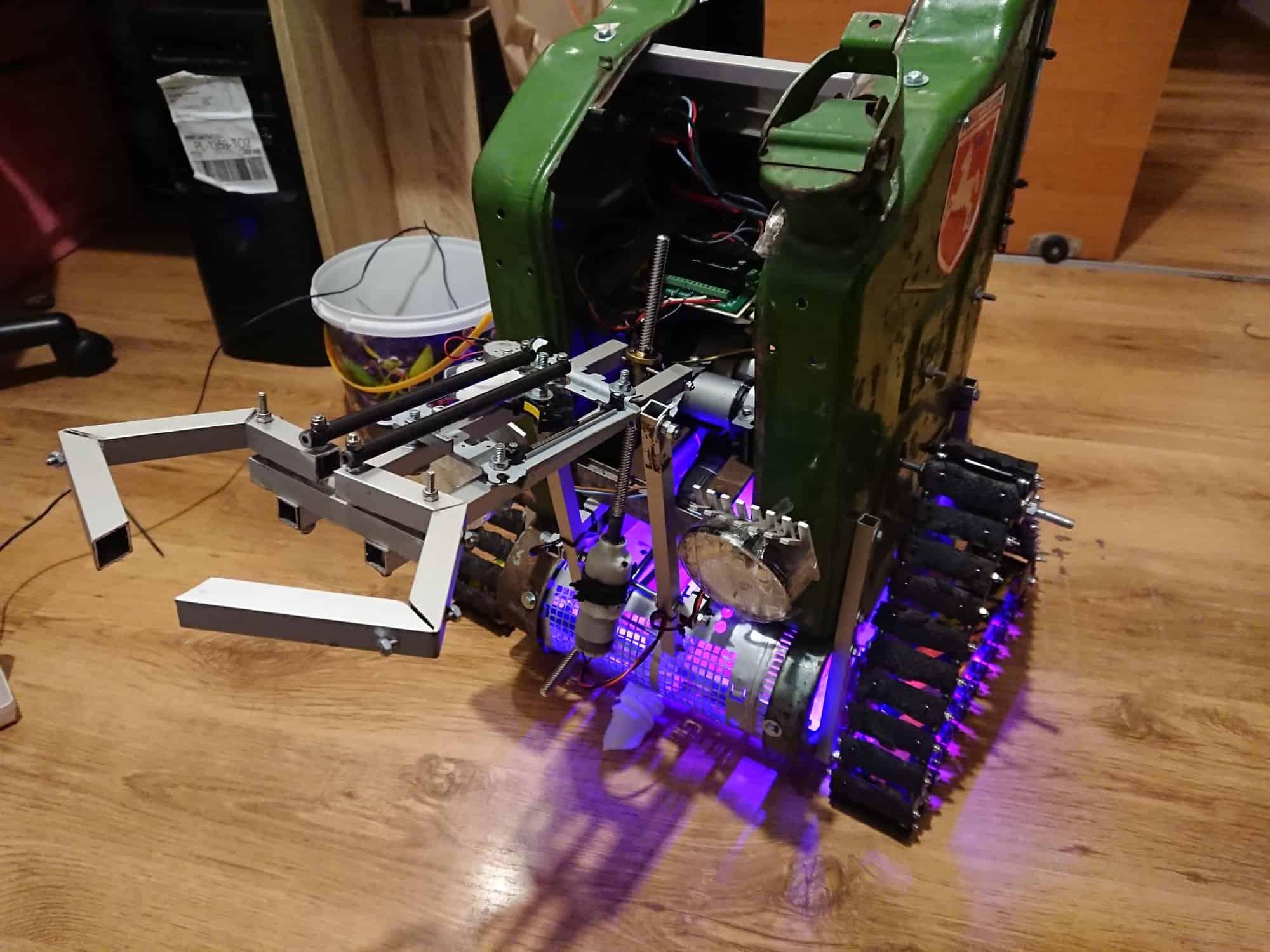 Robot Lem