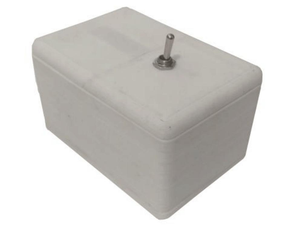 """Useless box na NE555 - """"zostaw mnie w spokoju"""""""