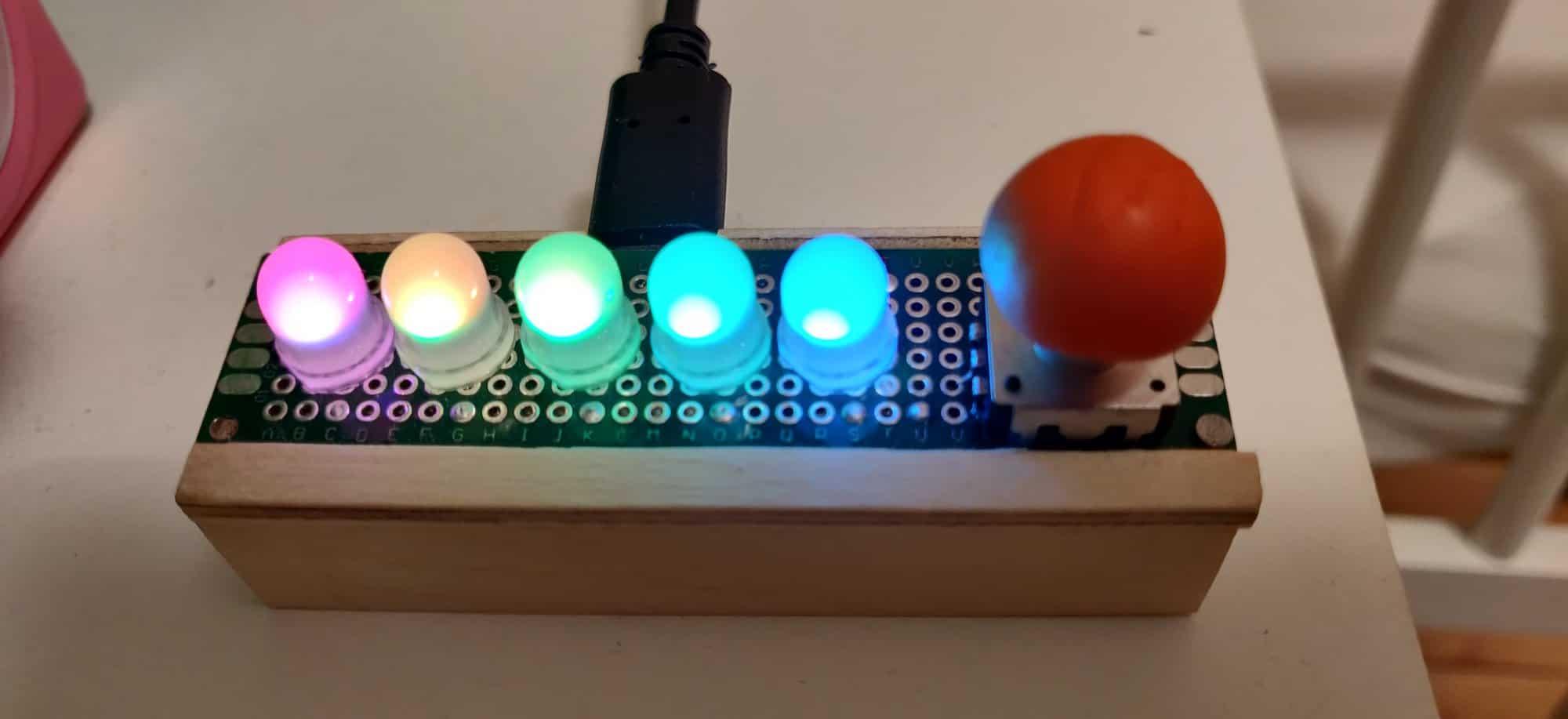 Mała lampka diodowa RGB
