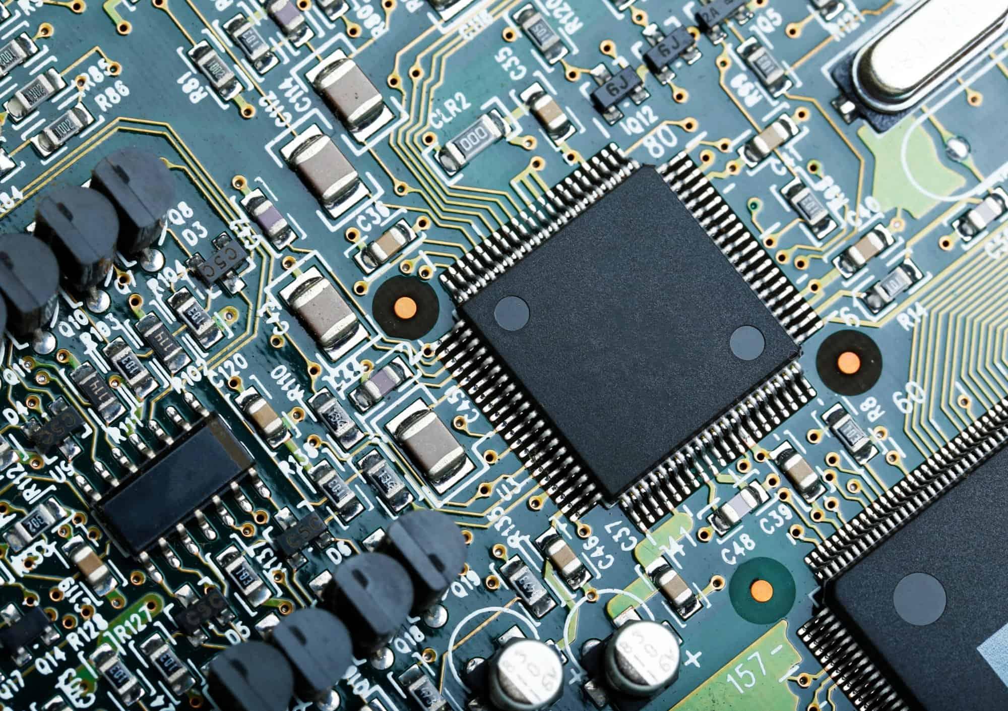 Kompilatory od podszewki - #3 - Automatyzacja procesu kompilacji, kompilatory a mikrokontrolery